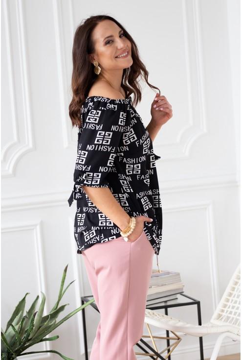 bok czarna bluzka nina z napisami fashion wiązane rękawki
