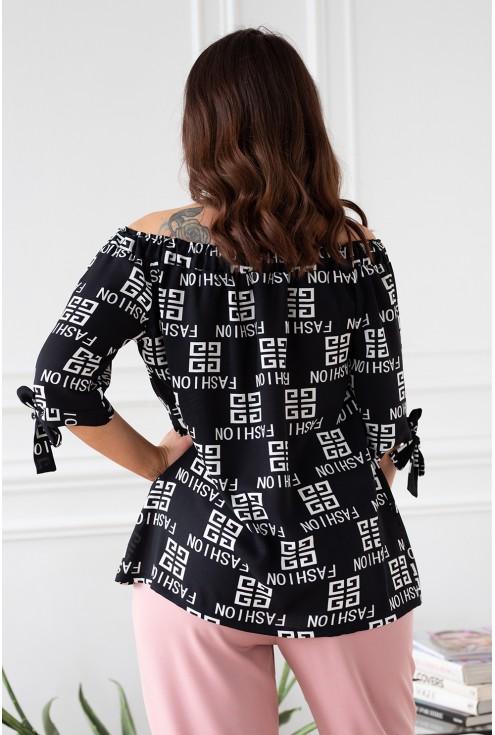 czarna bluzka nina z białymi napisami fashion nina