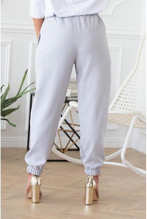 tył spodni szarych z troczkami ściągaczem viviane