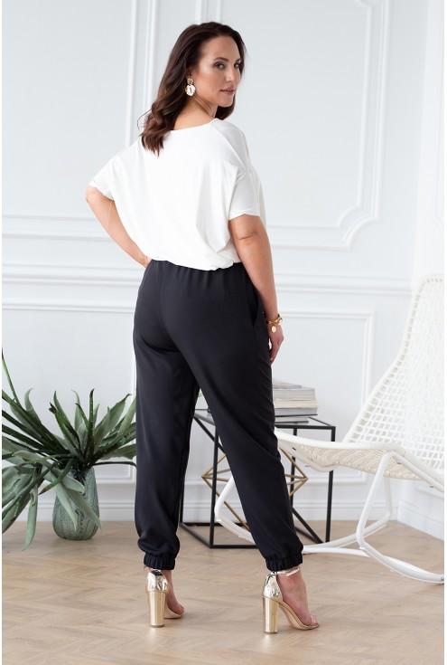 tył czarnych spodni xxl