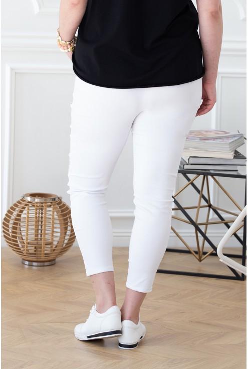 białe dresy ze złotym wzorem