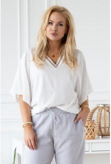 biała bluzka z dekoltem V