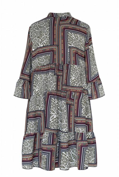 Tył sukienki boho  z tureckim wzorem i falbankami