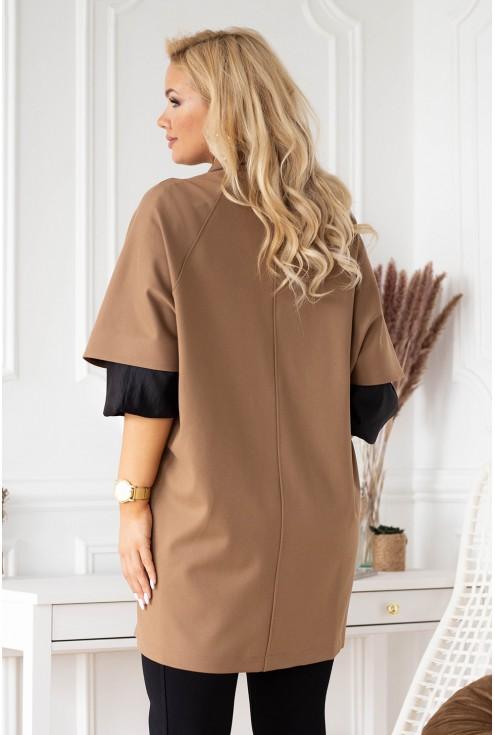 Tył eleganckiego płaszczu