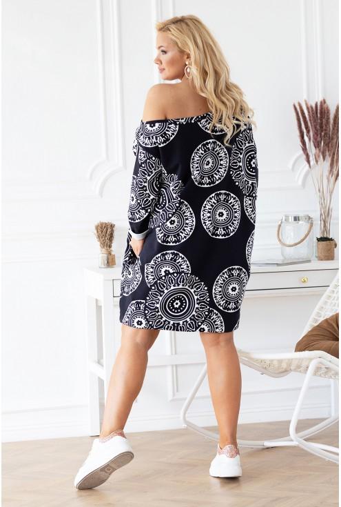 tył czarnej tuniko-sukienki Ziziss