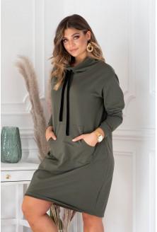 Oliwkowa sukienka z półgolfem i troczkami