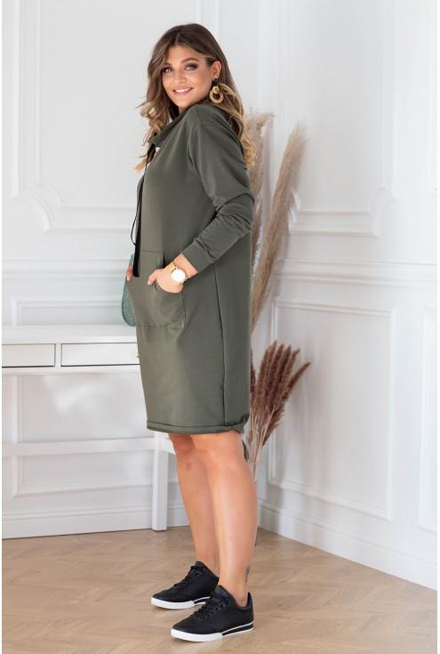 Sukienka xxl w kolorze khaki z półgolfem