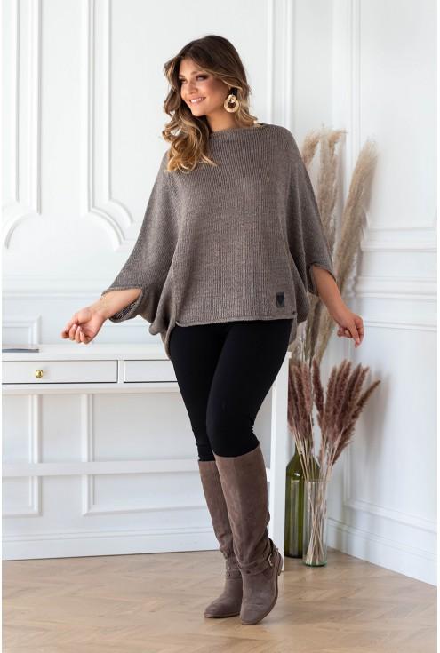 modny sweterek z obniżoną linią ramion