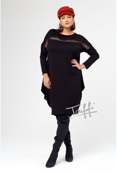Czarna sukienka oversize z ażurową wstawką nad biustem