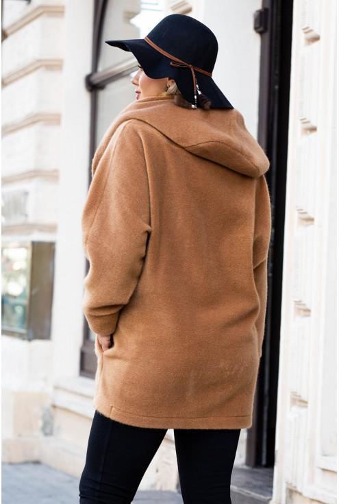karmelowy płaszcz duże rozmiary