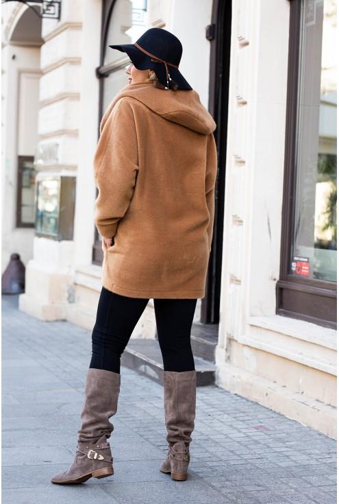 karmelowy płaszcz plus size