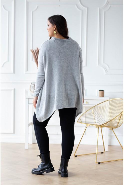 tył jasnego swetra xxl