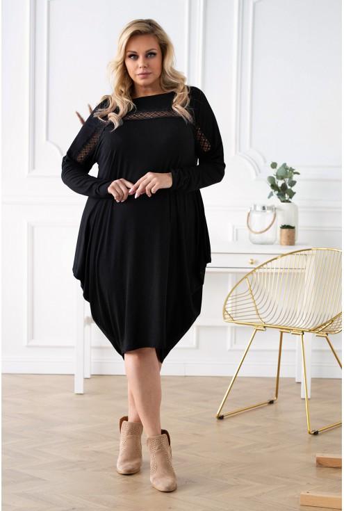 Czarna sukienka oversize z ażurową wstawką  - LIVI