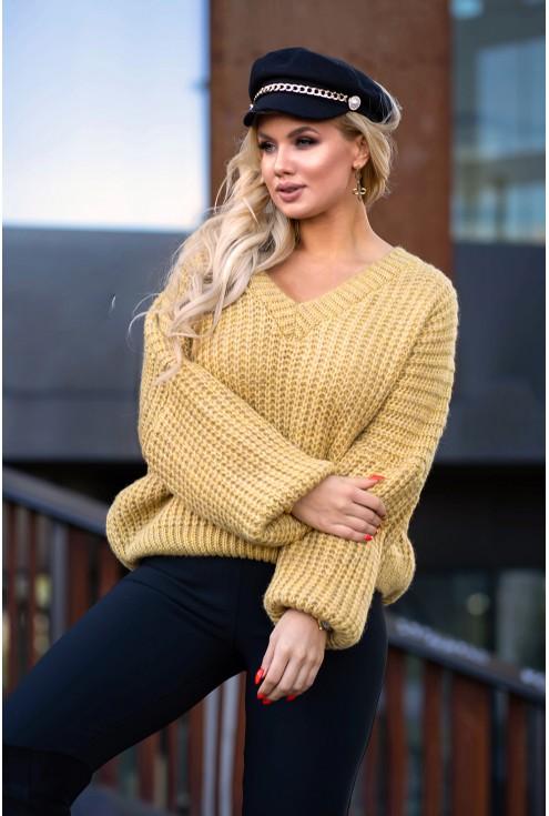Musztardowy sweter z grubym splotem