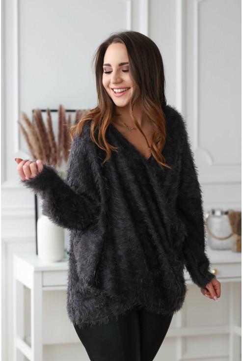 grafitowy miły sweterek plus size z kopertowym dekoltem