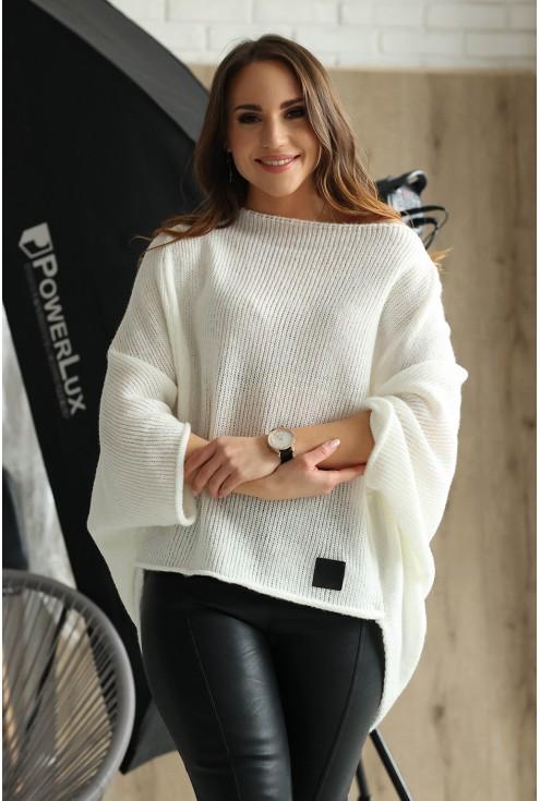 Ecru sweterek Carina
