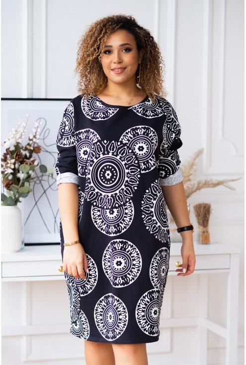 czarna sukienka plus size w biały wzór