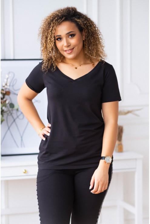 czarna gładka bluzka plus size