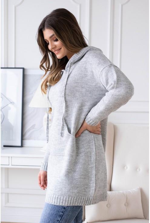 jasno szary sweterek z kapturem permi
