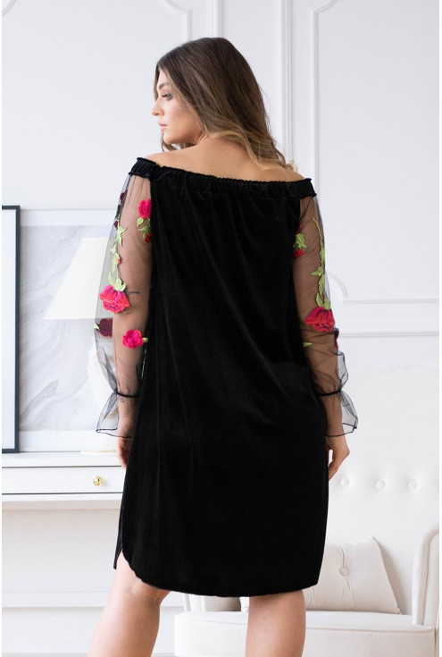Czarna welurowa sukienka hiszpanka z koronką i różami - MIRELLA