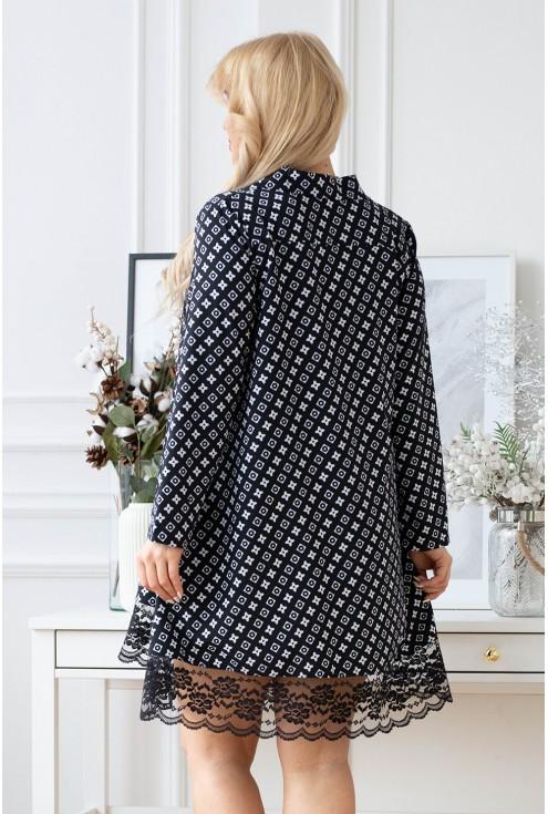 czarna sukienka z białym wzorem w dużych rozmiarach