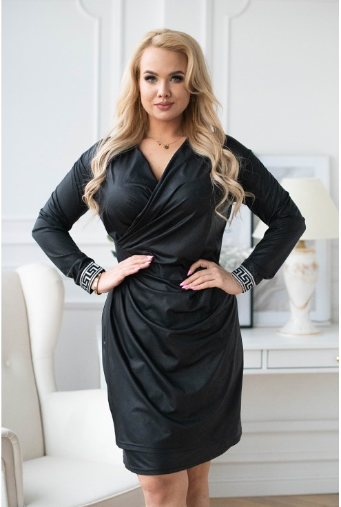 Czarna sukienka w czarne cętki
