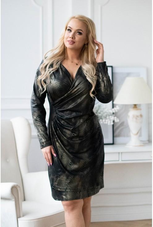 Czarna sukienka ze złotym wzorem