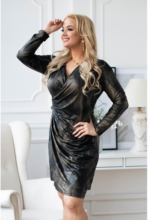 Sukienka ze złotym wężowym wzorem