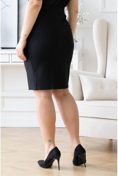 tył czarnej spódnicy xxl