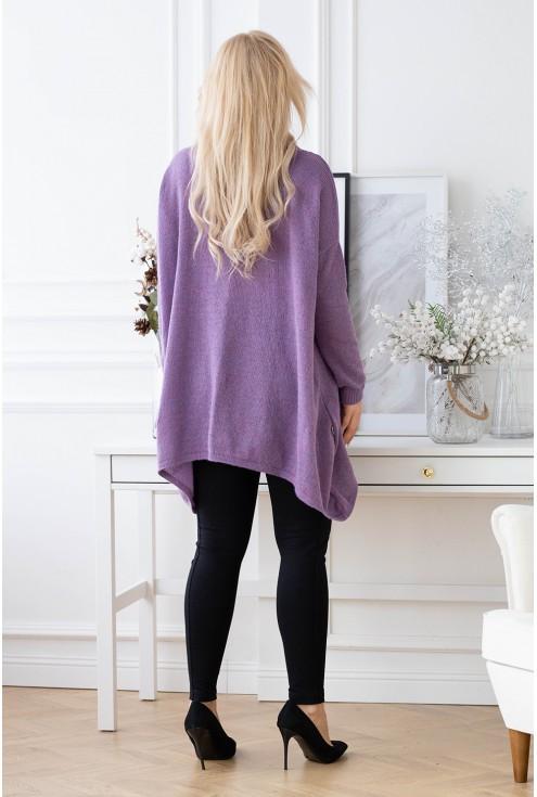 tył oversizowego swetra Merlin