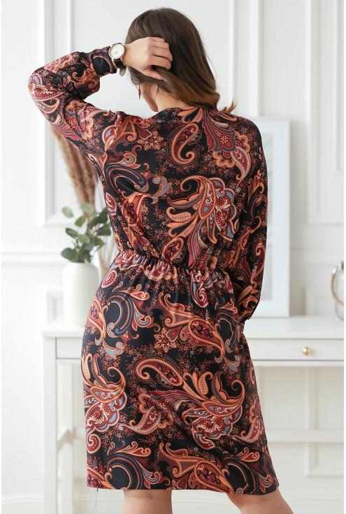 Tył sukienki w orientalny wzór