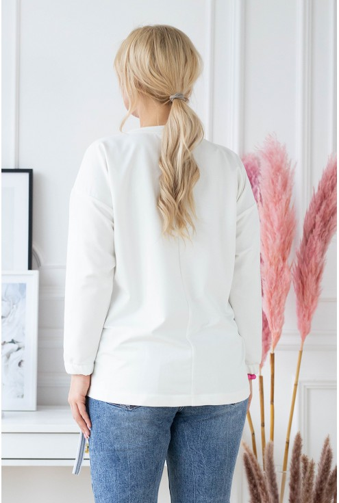 Tył białej bluzy plus size Dafne