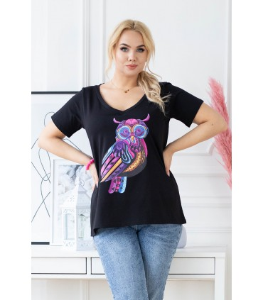 Czarny t-shirt plus size z krótkim rękawem - wzór sowa - SASHA