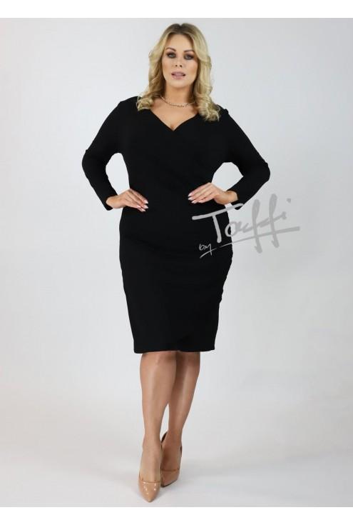 Czarna sukienka z marszczeniem