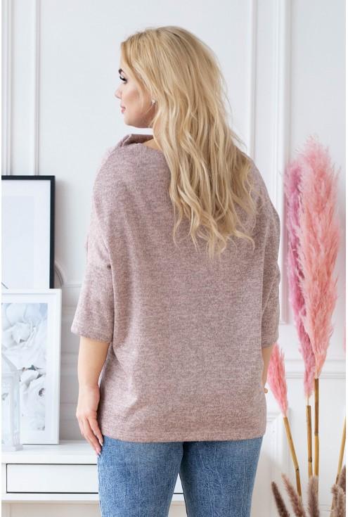 luźny pudrowo-różowy sweter plus size
