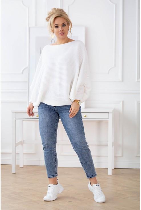 ciepły sweter z obniżoną linią ramion