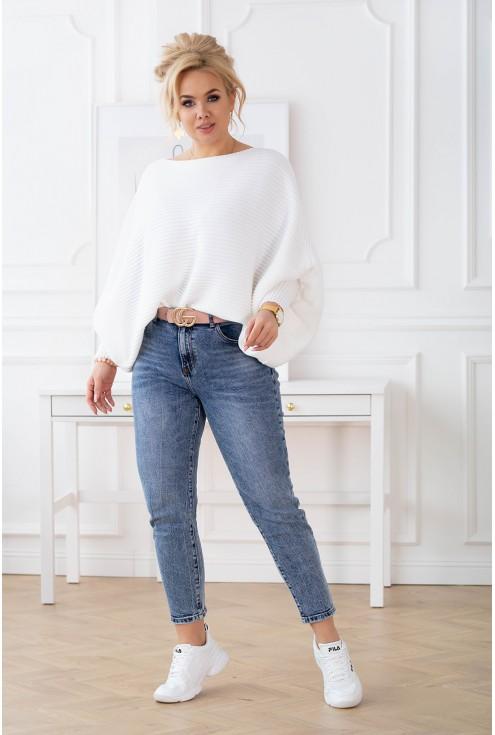 ciepły biały sweter z poziomym splotem