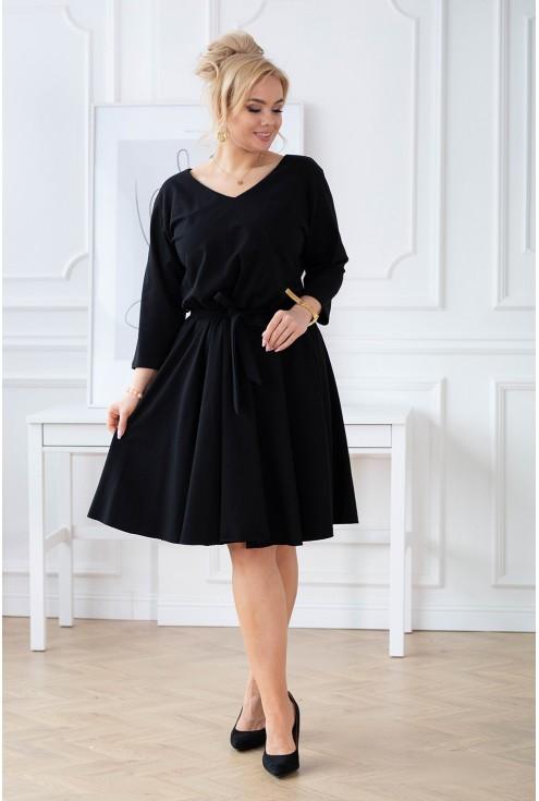 czarna sukienka w dużych rozmiarach