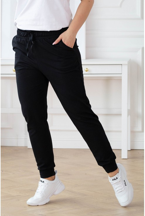 Czarne dresowe  spodnie z kieszeniami