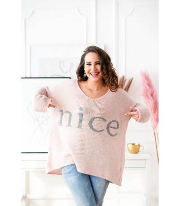 Pudrowy sweter z szarym napisem - NICE