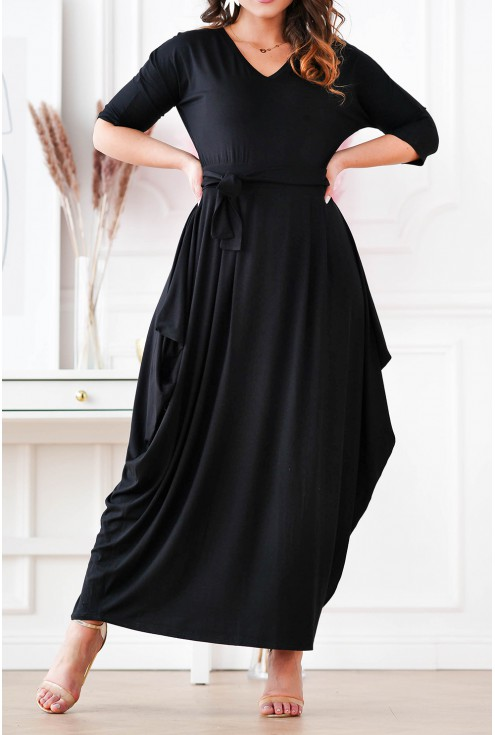 czarna sukienka z luźnym dołem