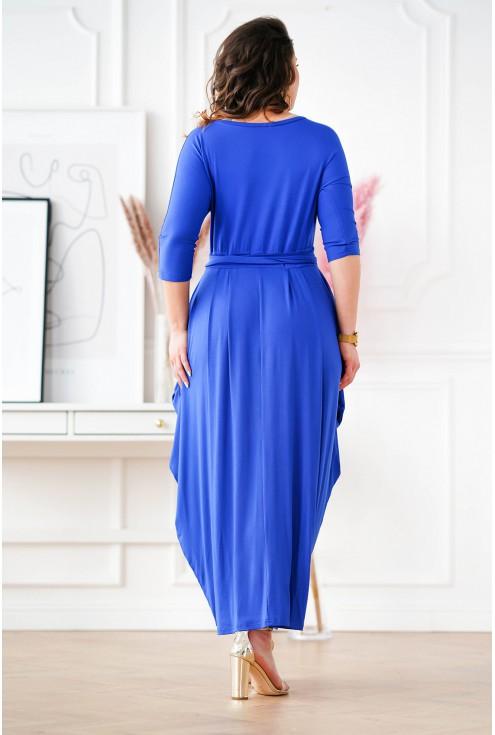 tył chabrowej długiej sukienki w dużych rozmiarach