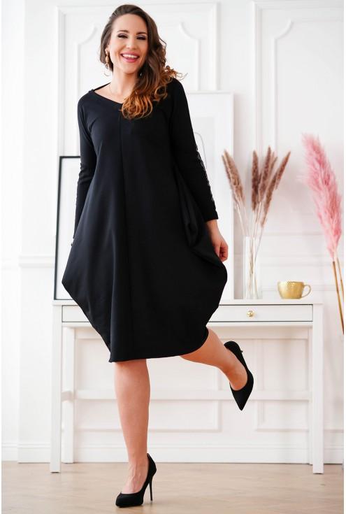 czarna sukienka z wiązaniem oversize