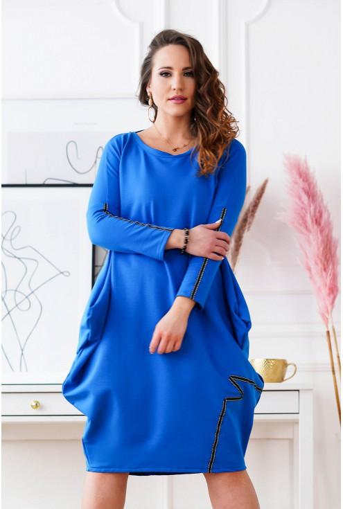 Chabrowa sukienka oversize z wiązaniem