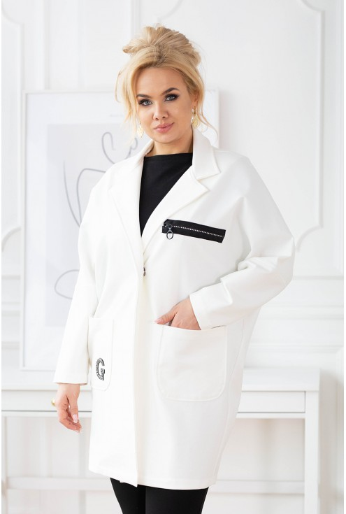 biały płaszcz plus size