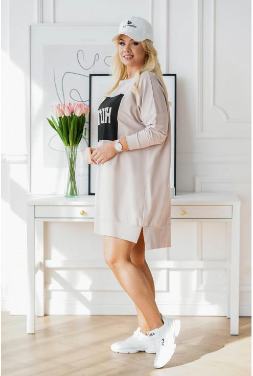 sukienka oversize z czarnym wzorem