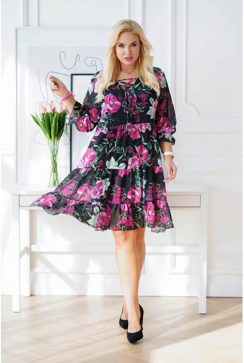 zwiewna sukienka plus size w kwiatowy wzór - duże rozmiary