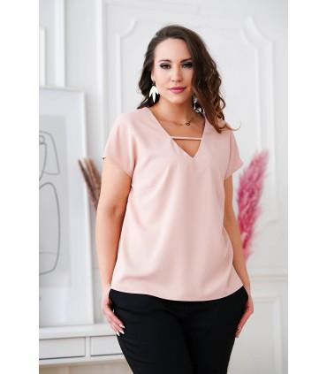 Pudrowa bluzka plus size z dekoltem V i paseczkiem - FELIPA