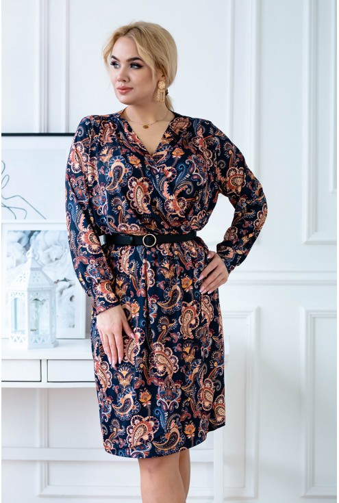 Granatowa sukienka z długimi rękawami