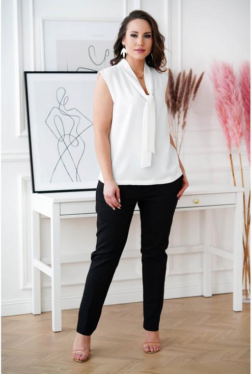 Biała szyfonowa bluzka z wiązaniem